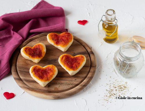 Pizzette morbide a forma di cuore