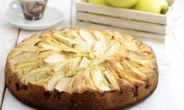 Torta di mele sofficissima e veloce da preparare
