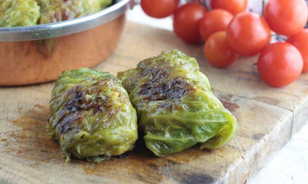 INVOLTINI DI VERZA ripieni di carne e formaggio