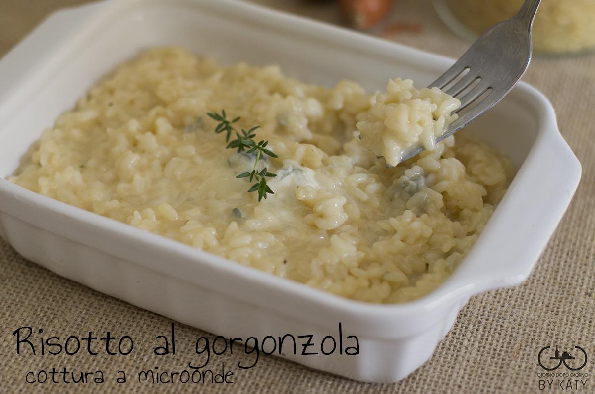 Risotto al gorgonzola cottura al microonde giorno dopo for Cottura microonde