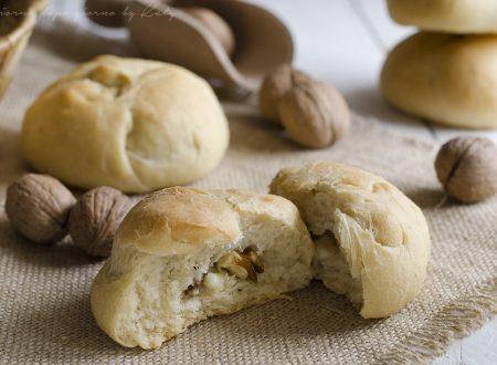 Pan nociato, ricetta tipica marchigiana
