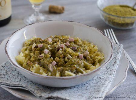 Mafalde cremose con pistacchi e prosciutto