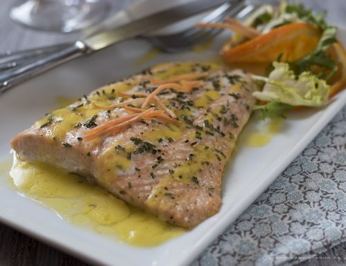 Filetti di salmone in salsa all'arancia