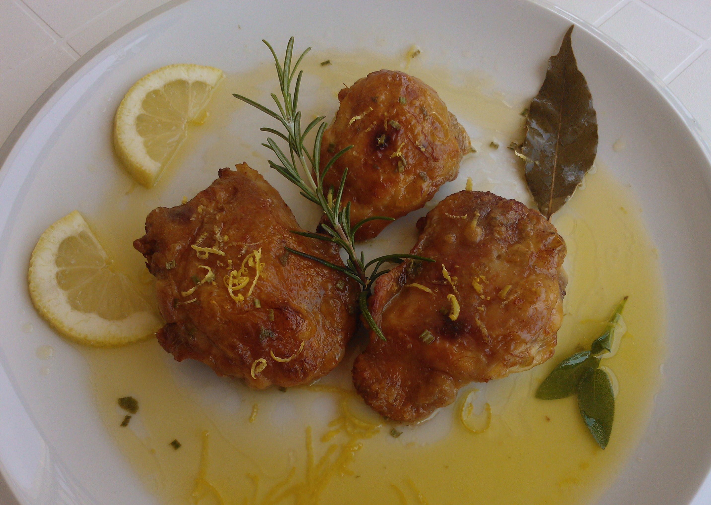 Sovracoscie di pollo al limone rosmarino e salvia