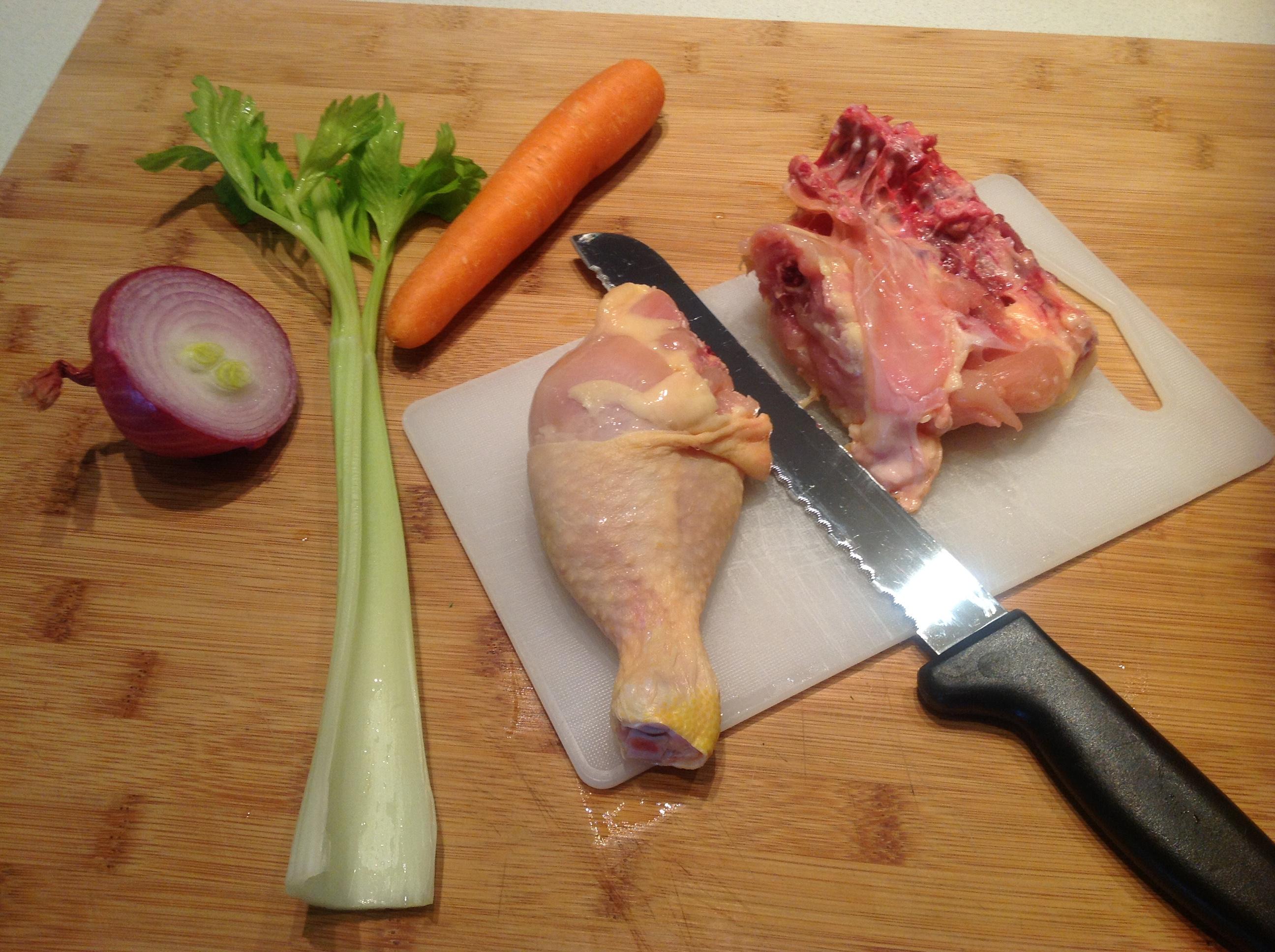 Brodo di pollo cappone for Interno coscia macchie rosse