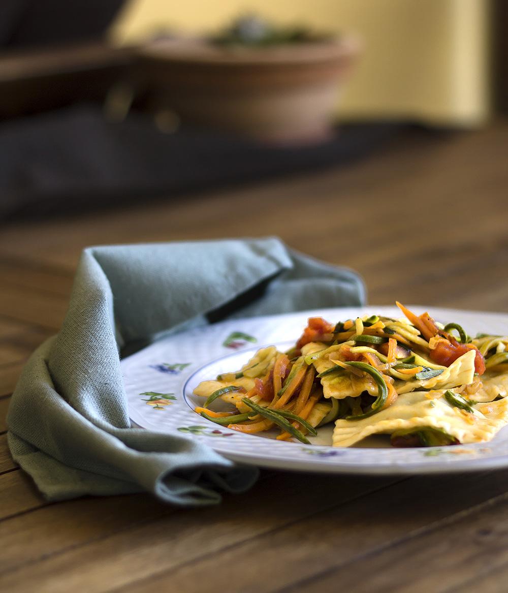 Ravioli di cernia con julienne di verdure for Verdure alla julienne