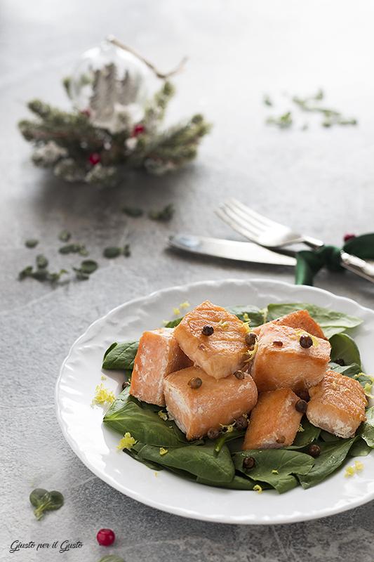 spezzatino di salmone al pepe rosa