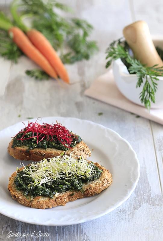 bruschette con germogli e pesto di foglie di carote