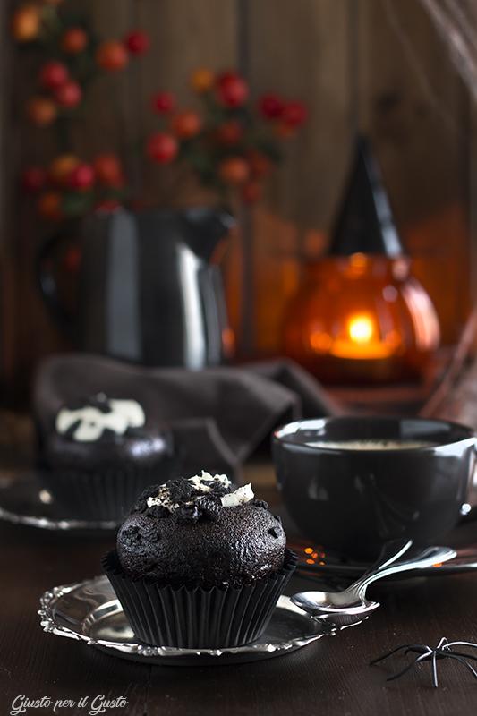 dark muffin.