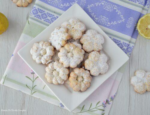 Biscotti al limone con la sparabiscotti