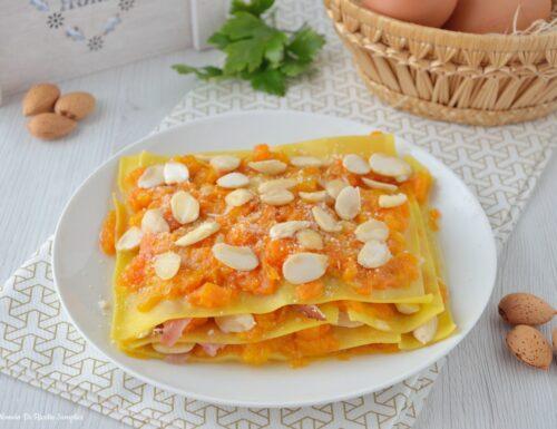 Lasagne con zucca e mandorle