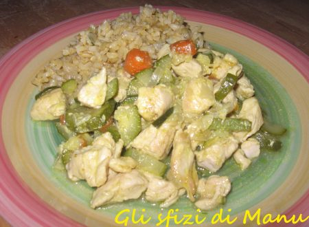 Riso integrale con pollo e verdure al curry