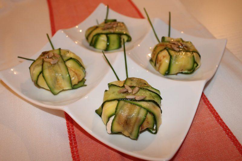 Mini charlotte salate con zucchine e formaggio fresco