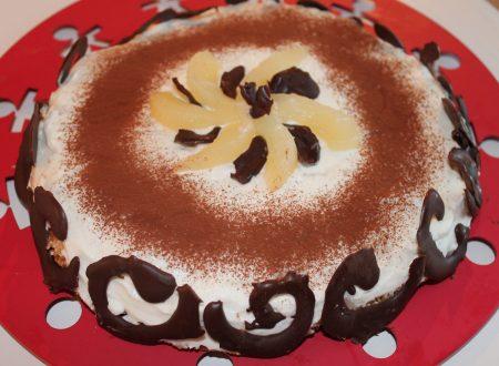 Cheesecake ricotta e pere con base croccante ai cereali e riccioli di cioccolato