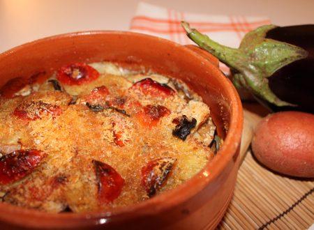 Tortino di melanzane, patate rosse e mozzarella, ricetta vegetariana