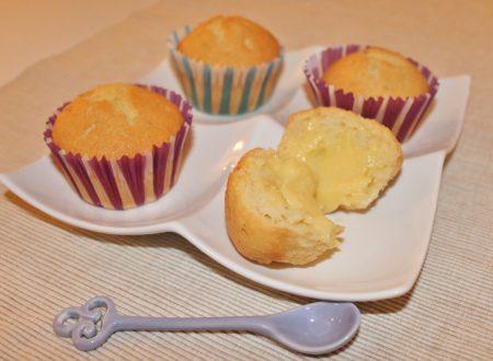 Muffin agli albumi ripieni di crema