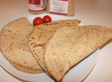 Piadina con farina di grano tostato, farina integrale e olio extravergine di oliva