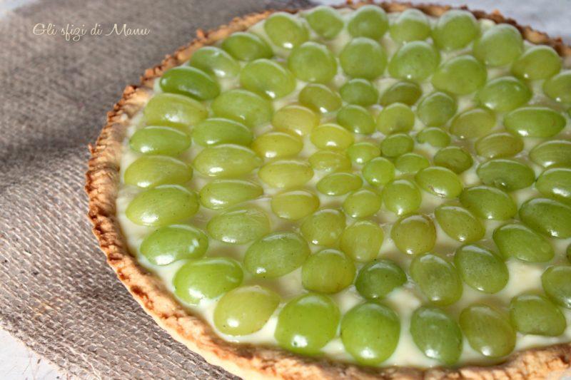 Crostata all'uva con frolla alle mandorle