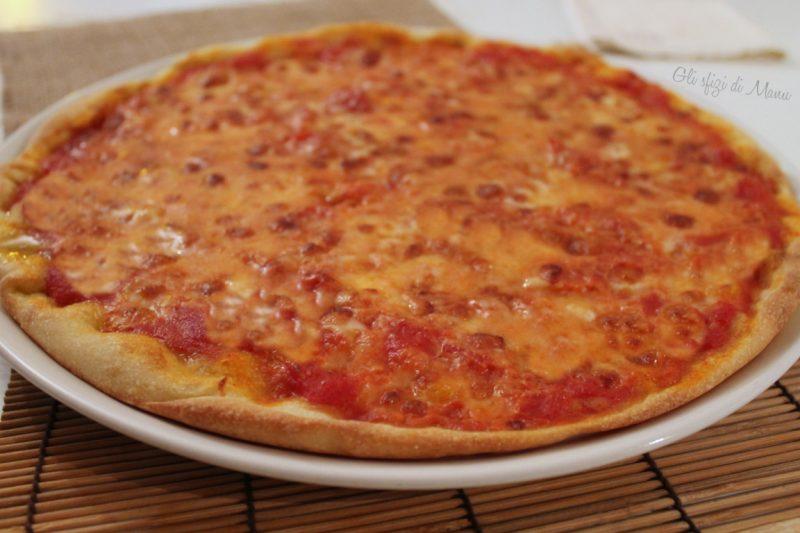 Pizza con impasto alla semola