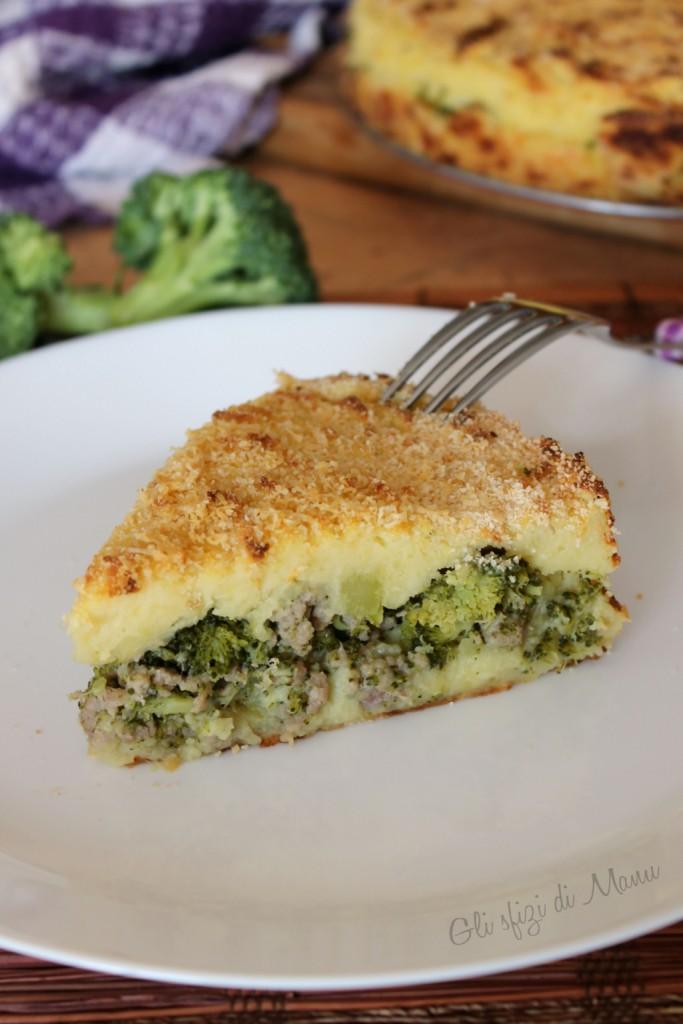 torta di broccoli, salsiccia e patate