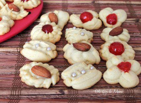 Biscotti di frolla montata, con sparabiscotti