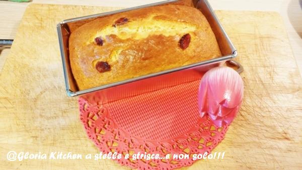 Plumcake allo Yogurt Bianco con Mirtilli Rossi di Gloria KitchenUSA