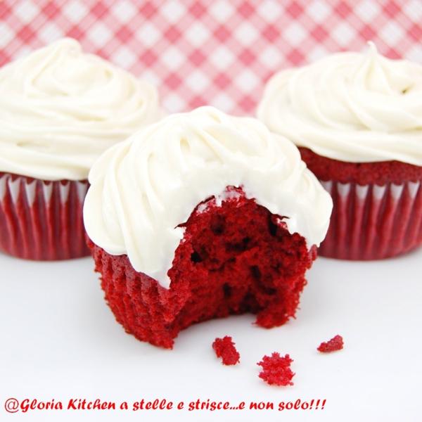Red Velvet Cupcake con Frosting Godurioso di Gloria KitchenUSA