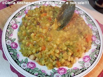Zuppa di Cereali e Legumi con Aromi di Gloria KitchenUSA1