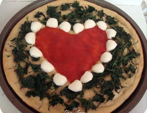 Pizza a forma di cuore con farina di ceci | Ricetta