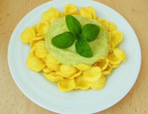 Orecchiette con zucchine e robiola