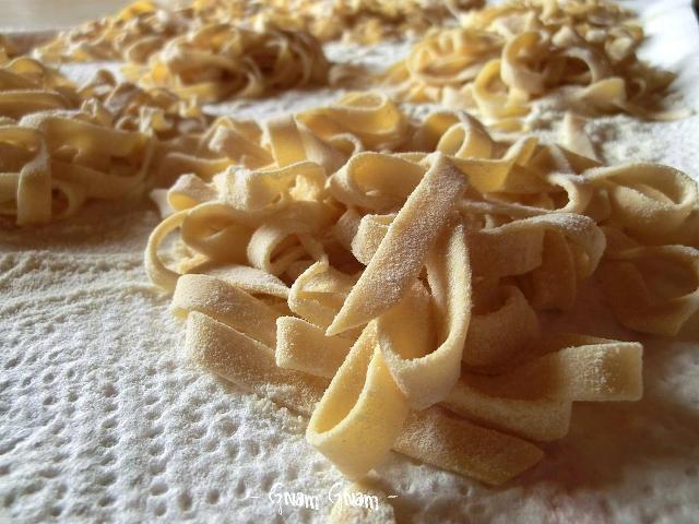 Pasta fresca all 39 uovo ricetta passo passo for Artigiani piani casa fresca