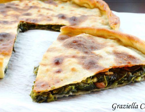 Pizza con la scarola   Ricetta napoletana