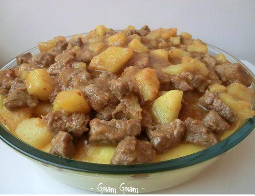 Spezzatino con le patate e polenta | Ricetta