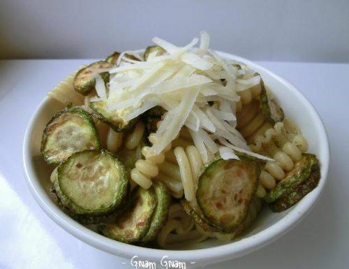 Insalata di pasta fredda con zucchine alla scapece | Ricetta