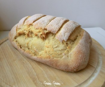 pane con fiocchi di patate e lievito naturale