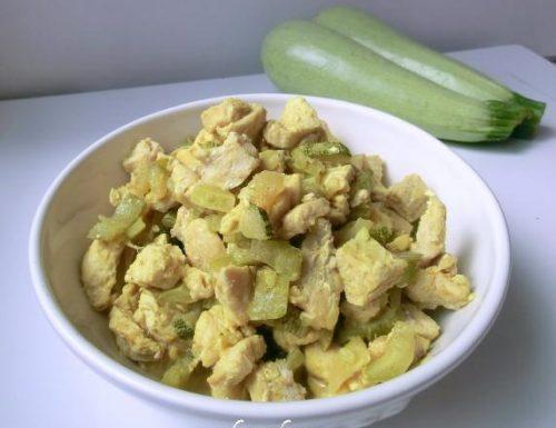 Straccetti di tacchino con zucchine al curry | Ricetta leggera