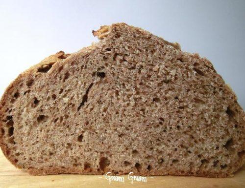 Pane con farina di farro e noci | Ricetta con lievito naturale