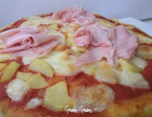 Pizza morbida con patate e prosciutto cotto | Ricetta
