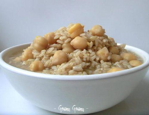 Minestra di riso integrale e ceci | Ricetta facile