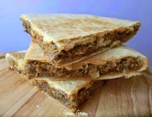 Torta salata con cipolla di Tropea e nduja di Spilinga