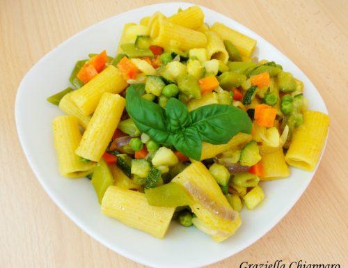 Pasta con verdure al curry | Ricetta veloce