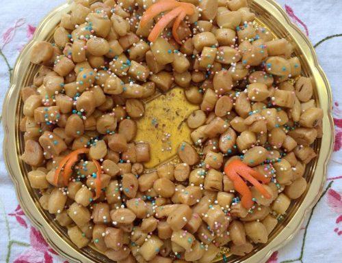 Pignolata Struffoli Cicerchiata | Ricetta della tradizione