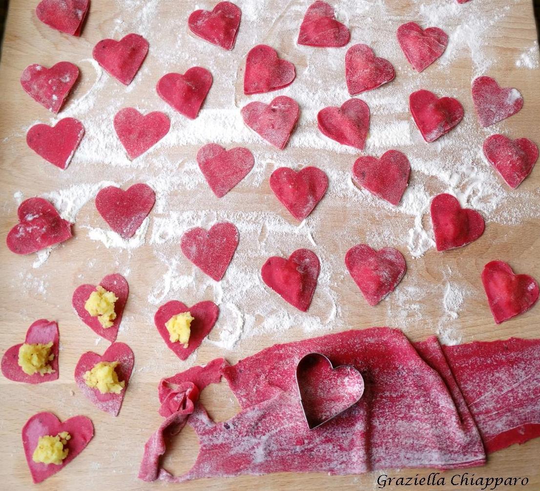 Cuori di pasta fresca ripiena | Ricetta