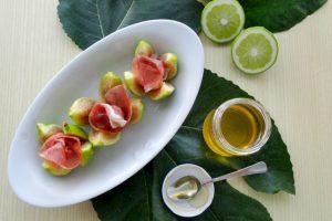 Fichi con prosciutto crudo e miele al bergamotto