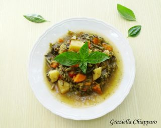 minestrone freddo al basilico