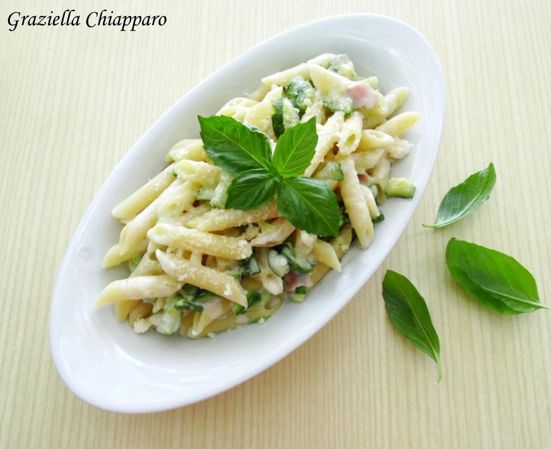 Pasta philadelphia zucchine e prosciutto cotto