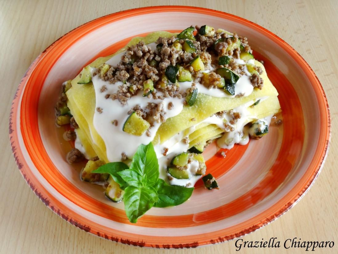 Lasagne con zucchine e carne tritata | Ricetta