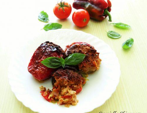 Peperoni ripieni con carne e olive | Ricetta