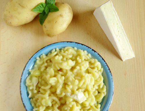 Pasta con patate e brie | Ricetta