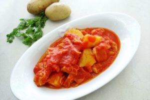 Trippa con pomodoro e patate | Ricetta